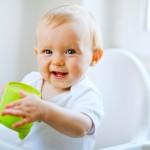 Bahaya Menanti Jika Bayi Bawah Enam Bulan Diberikan Air Putih