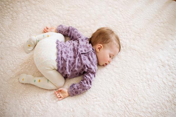 Bayi Tidur Meniarap - Women Online Magazine