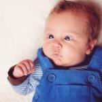 Ketahui Penyebab & Tanda-Tanda Mata Juling Pada Bayi Anda