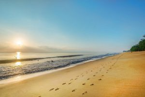 Pantai Cherating - Women Online Magazine