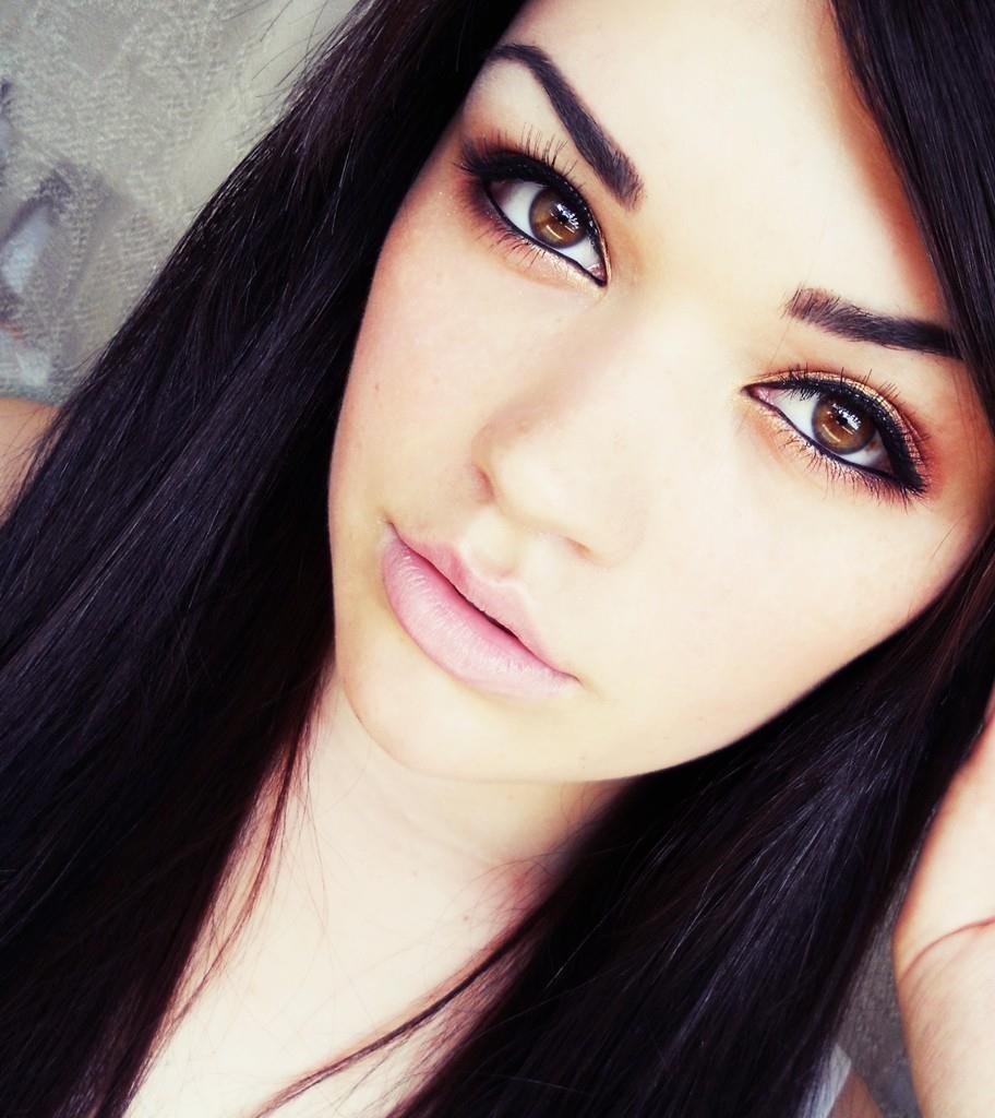 memakai eyeliner - woman online magazine