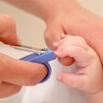 Cara Selamat Memotong Kuku Bayi Yang Baru Lahir