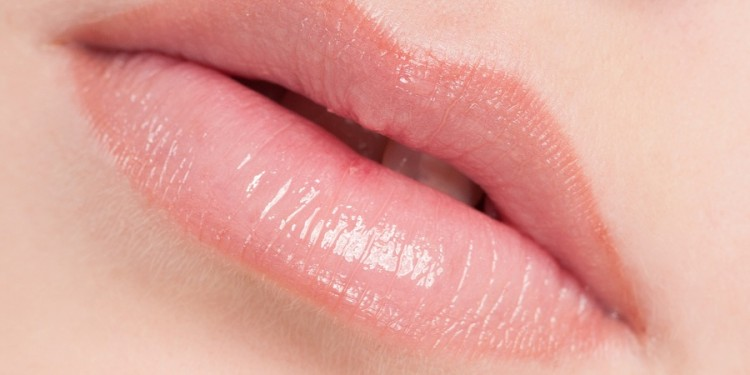 Lipstik Untuk Bibir Kering - Woman Online Magazine