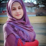 Jika Anda Berwajah Bulat Dan Berpipi, Cubalah Baca 4 Tips Memakai Hijab Ini!