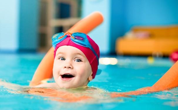 bayi berenang - woman online magazine
