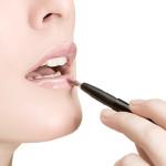 Merawat Bibir Hitam Akibat Penggunaan Lipstik Yang Salah Agar Kembali Cerah